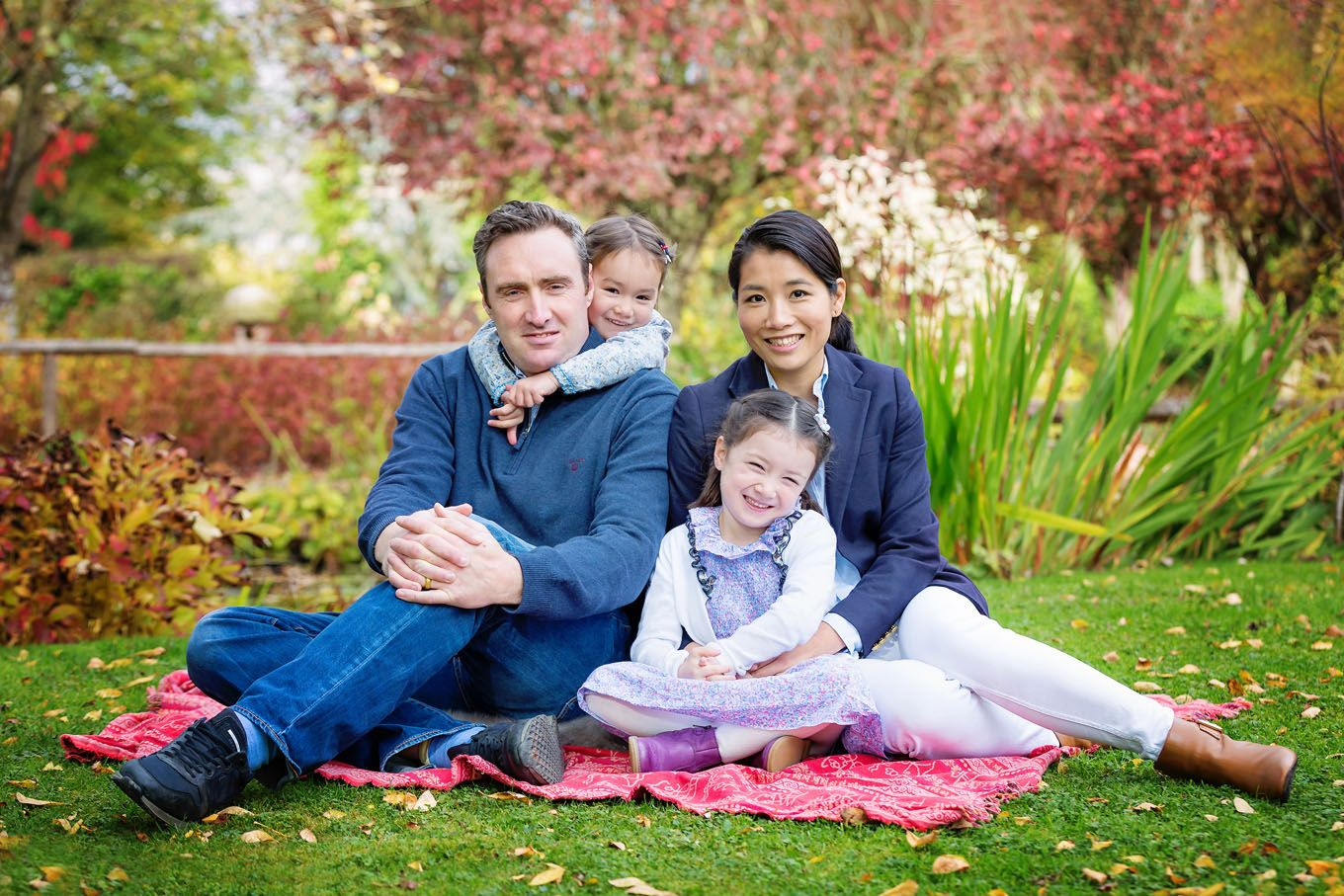 Autumnal outdoor portrait of a family in Herefordshire